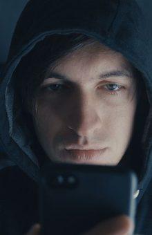 pirater un téléphone à distance